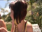 Katie Kox przyjmuje spust na twarz